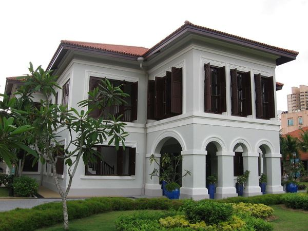 The palace in the book is quite real.  Here is the restored building:  Malay Heritage Centre, Istana Kampong Glam 3, Dec 05CC BY-SA 3.0